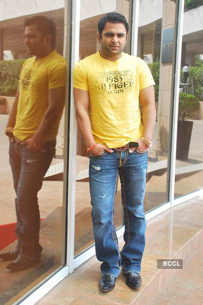 Sachin promotes 'Azaan'