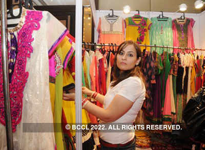 Annual exhibition : Jalsa