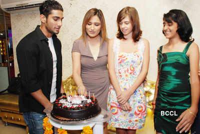 Kalki, Prateik @ Aashmeen Munjal's party