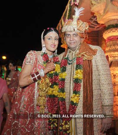 Abhimanyu Munjal & Saloni Sarin's wedding