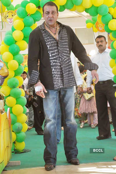 Sanjay, Manyata celebrate twins b'day