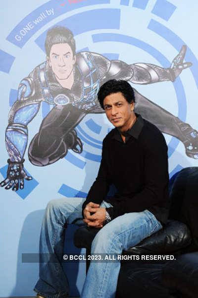 SRK unveils 'G.One-Nerolac' wall