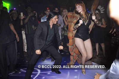 SRK dances at BT anniv party!