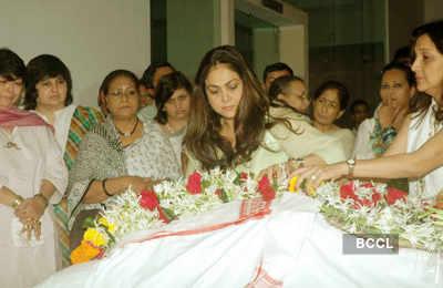 Celebs bid adieu to late Bhupen Hazarika