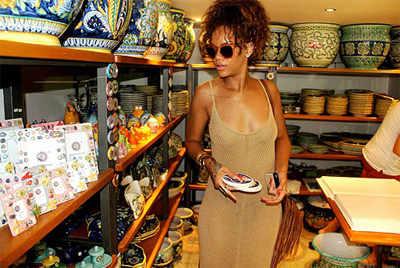 Rihanna's holiday pics on Facebook