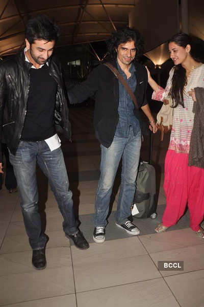 Ranbir, Nargis spotted at airport