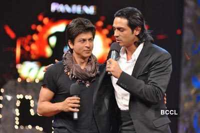 SRK gifts luxury cars to Arjun, Rajini