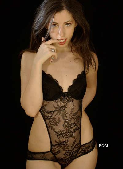 Models look hot & saucy!