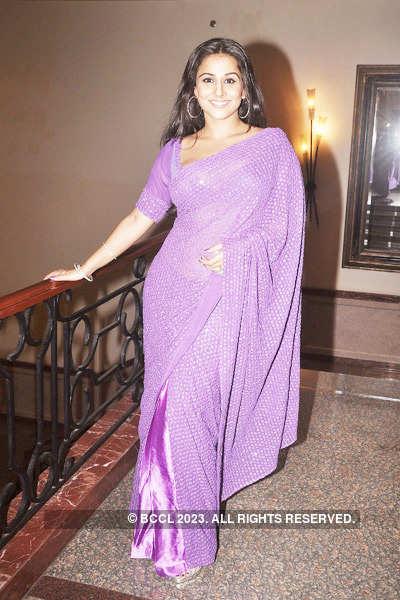 Vidya parties with 'Saas-Bahu' stars