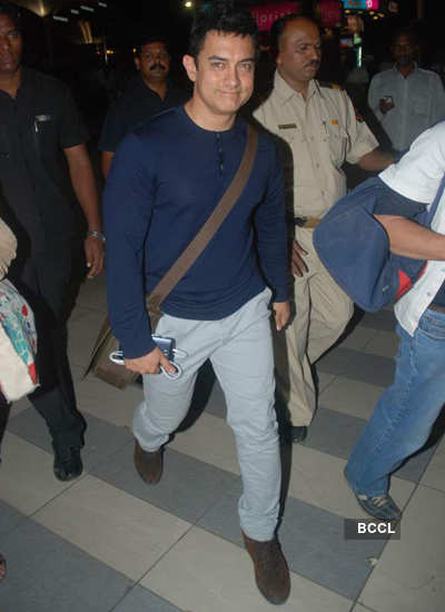 Aamir spotted at airport