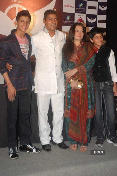 Big B launches Aadesh's album