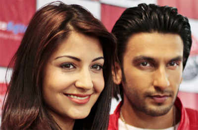 Ranveer, Anushka promote 'Ladies vs...'