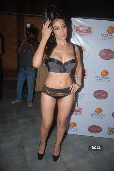 Sofia's sexy photoshoot on her b'day!