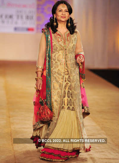 Celebs who dazzled the ramp in 2011!