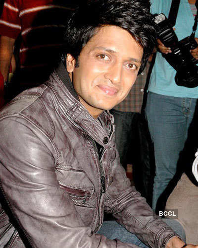 Riteish Deshmukh is hurt!