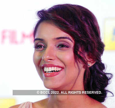 Asin at Filmfare 2011 press meet