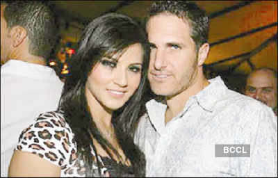Sunny Leone's ex making moolah off her
