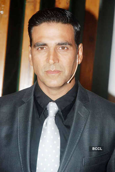 Akki on sets of 'Master Chef India'