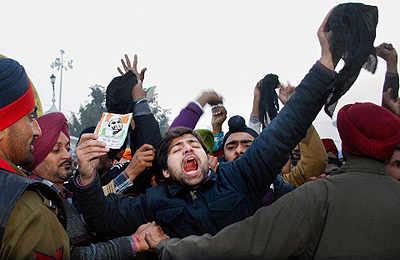 PM visits Amritsar amid protest