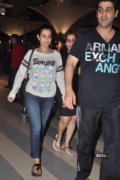 Stars return from Dubai