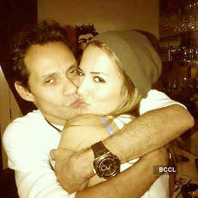 Marc Anthony dating Venezuelan model