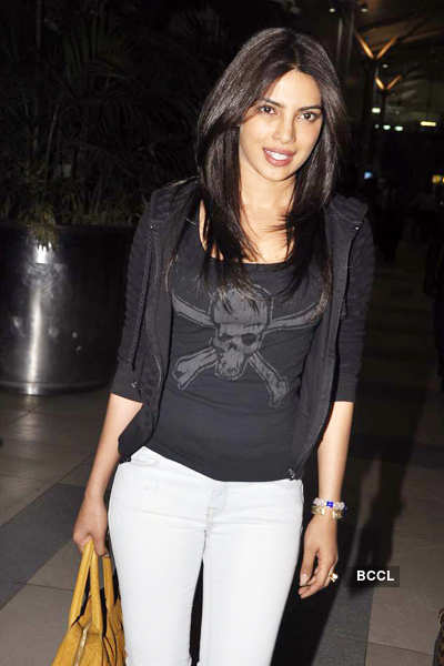 Shahid, Priyanka return from shoot