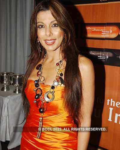 Pooja Bedi to file a case against Colors?