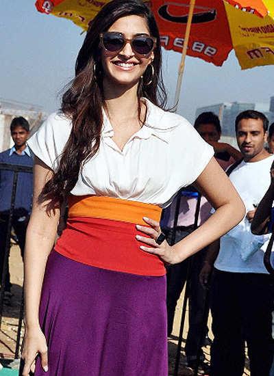Sonam inaugurates Mumbai Marathon Expo