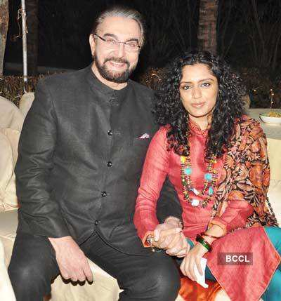 Roopa Vohra's bash for Vivek's b'day
