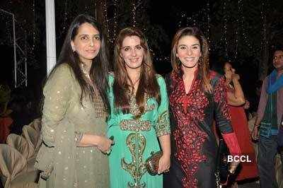 Roopa Vohra's bash for Vivek's b'day