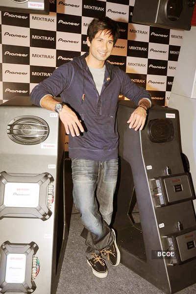 Shahid promotes 'Pioneer'