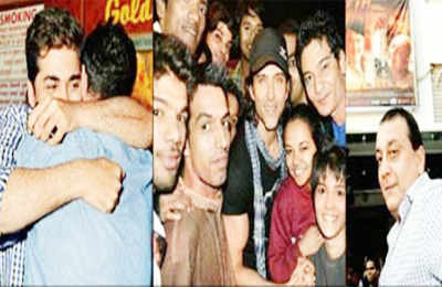 Agneepath's sp. screening for Hrithik's gay fans