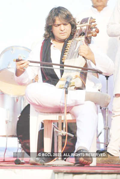 Kamal Sabri performs in Tihar