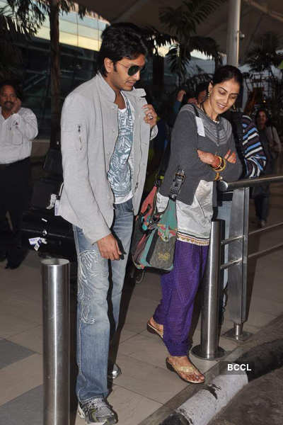 Newly weds Ritz-Genie @ airport