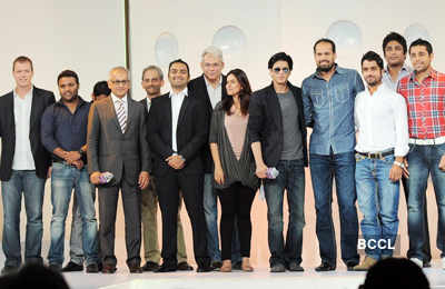 SRK, Juhi launch new 'KKR' logo