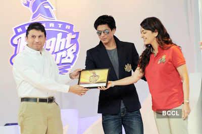 SRK, Juhi launch new 'KKR' logo