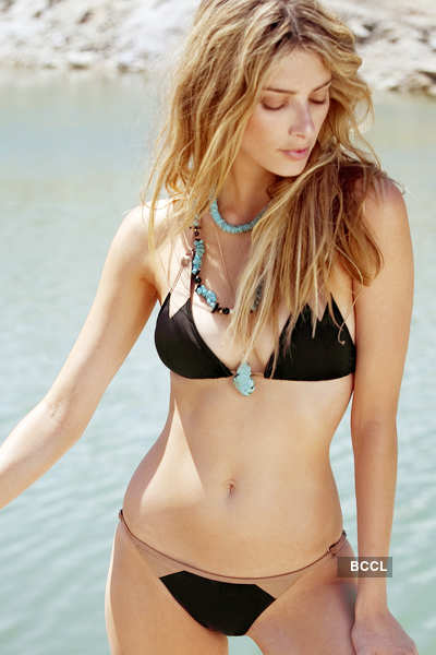 Enchanting hotties in bikinis