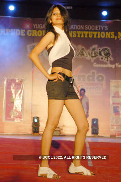 Fashion show @ 'Crescendo 2012'