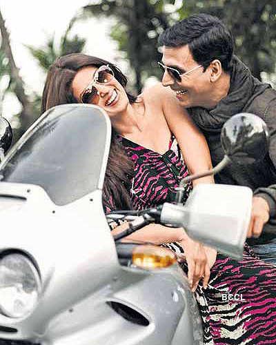 Akshay Kumar, Twinkle not splitting!