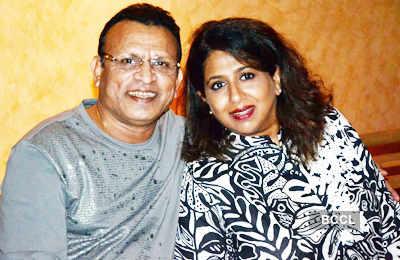 Anu Kapoor's b'day party