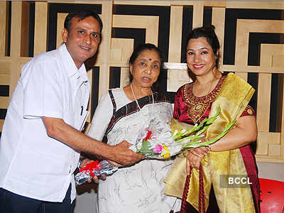 Asha Bhosle sings for 'Kaash Tum Hote'