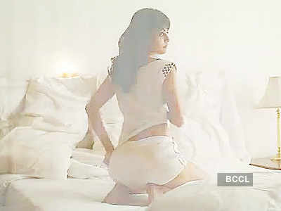 Sneha Ullal's steamy photoshoot!