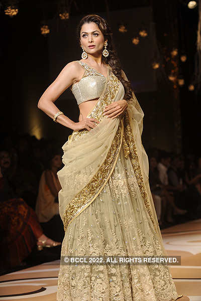 Celebs walk the ramp @ LFW'12