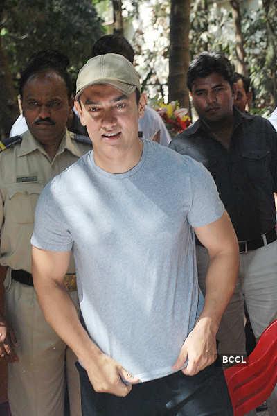 Aamir Khan celebrates his b'day