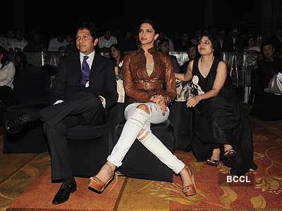 Deepika, Sonam @ anthem launch event