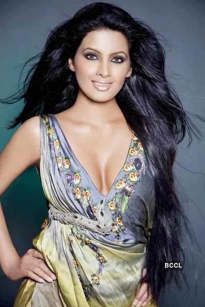 Geeta Basra's Portfolio Pics
