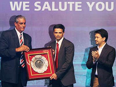Rahul Dravid gets felicitated