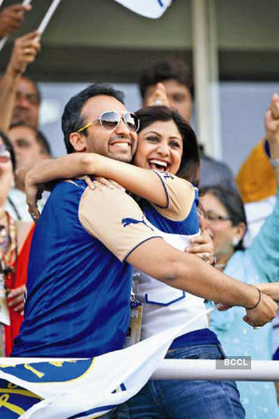 IPL PDA: All out!