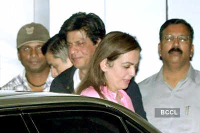 SRK spotted with Nita Ambani