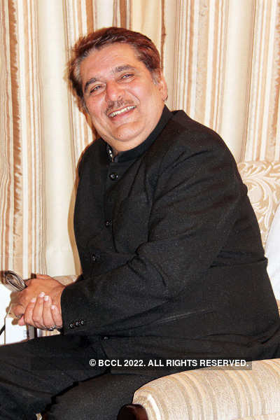 Raza Murad's photo shoot